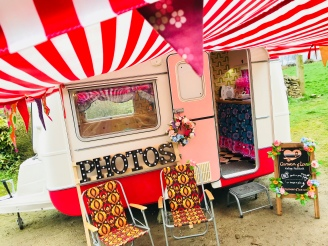 Caravan of Love - Vintage Photobooth